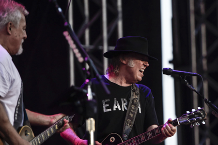 _DS43790_NeilYoung