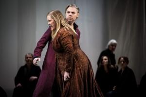 Urpremiär av Daniel Börtz nyskrivna opera Medea 2016 Kungliga Operan. Medea/Emma Vetter och Jason/Karl-Magnus Fredriksson.