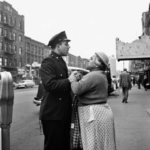 Armenian woman fighting on East 86th Street, September, 1956. New York, NY Vivian Maier II- In her own hands Kulturhuset Stadsteeatern 2016