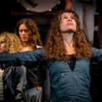 Teaterkritik: Kreativt och oförutsägbart när vokalensemble VoNo på Folkoperan gestaltar H.C Andersens odödliga klassiker